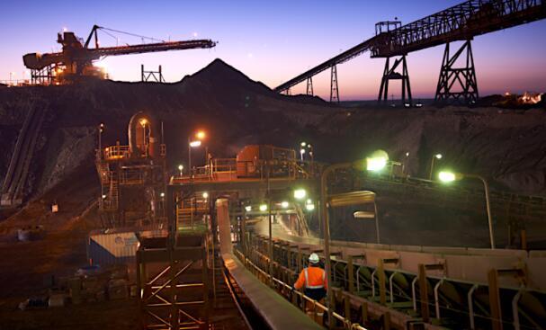 稀土释放铜金银铀矿化中的关键反应