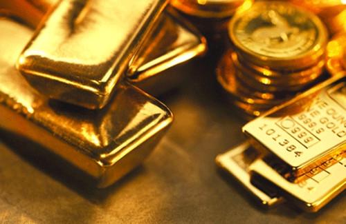 黄色金属突破47000卢比 白银接近70000卢比