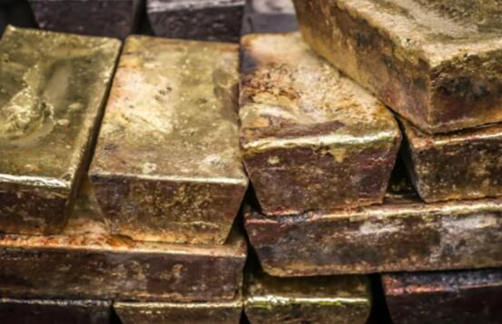 金价和银价涨至三个月高位 因通货膨胀担忧加剧