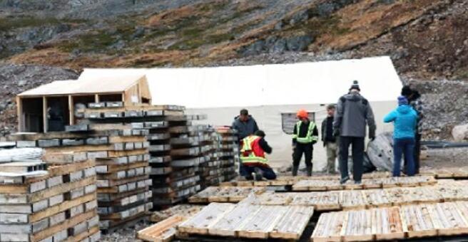 Benchmark以不列颠哥伦比亚省律师项目的卫星金银矿床为目标