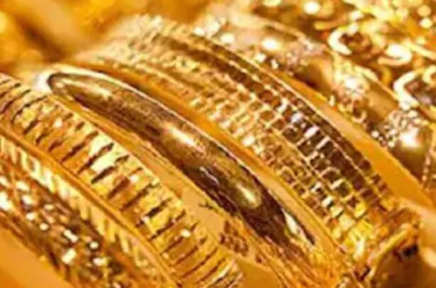 今天的黄金价格连续第二天下跌 从历史高位下跌超过8200卢比