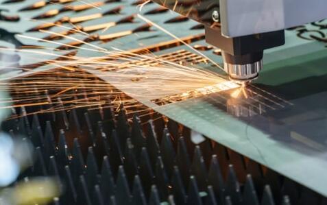 由于7月份ISM制造业指数令人失望 金价小幅上涨