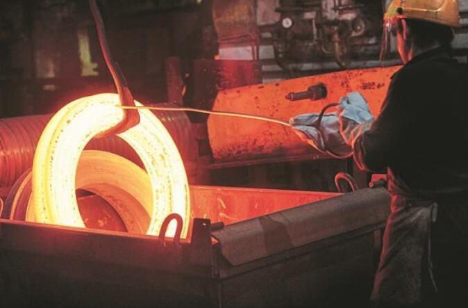 8月份制造业增长因当前局势遏制和投入成本上升而下降