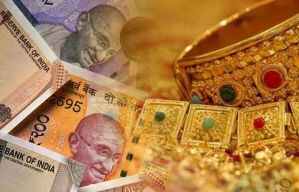 黄金期货价格为每10克47137卢比 知道白银的价格是多少