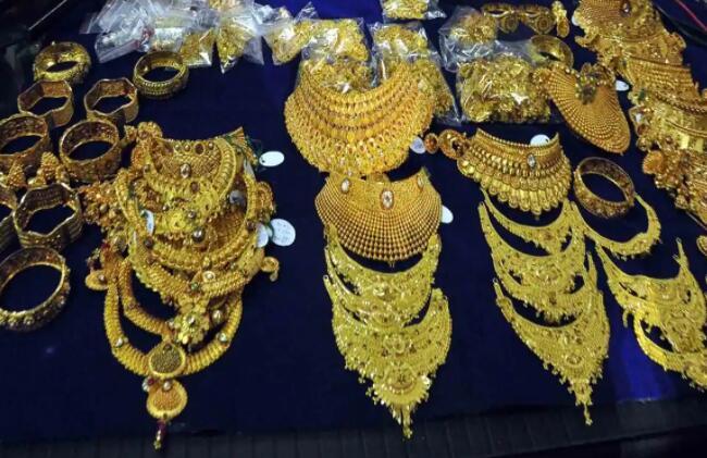 期货交易中的黄金价格大幅下跌 查看您所在城市的黄金价格